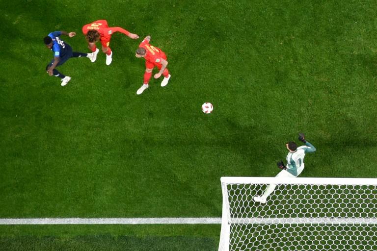 El muro Bleu y Umtiti meten de cabeza a Francia en la final del Mundial